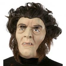 Muž s vlasy maska
