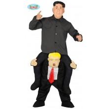 Kim na zádech Donalda