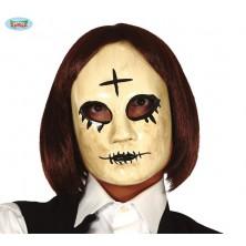 Žena s křížkem -  plastová maska