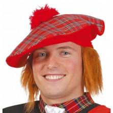 Skotská čepice s rezavými vlasy