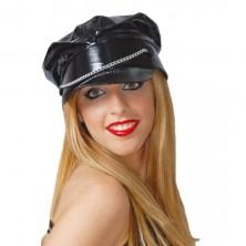 Černá vinylová čepice