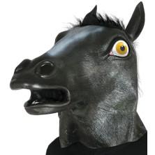 Maska černého koně