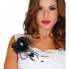 Černá květina s lebkou a pavoukem